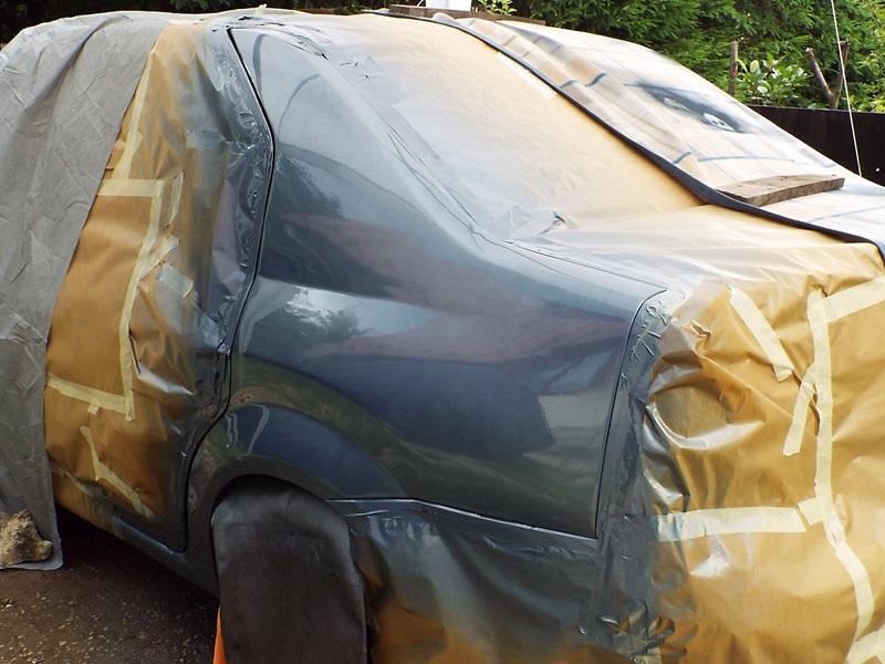 vopsit aripa spate Dacia Logan