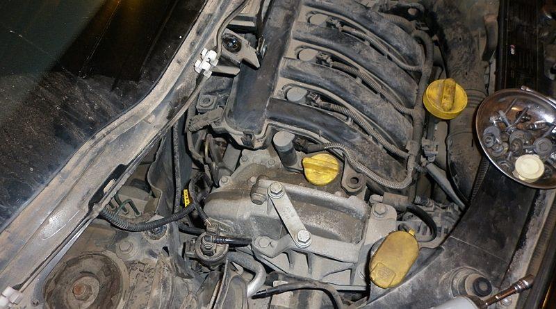 Distributie motor Renault K4J, K4M Renault Modus Partea I-Demontare