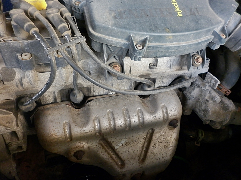 Schimbare bujii Dacia Logan 1,4/1,8 8V 6