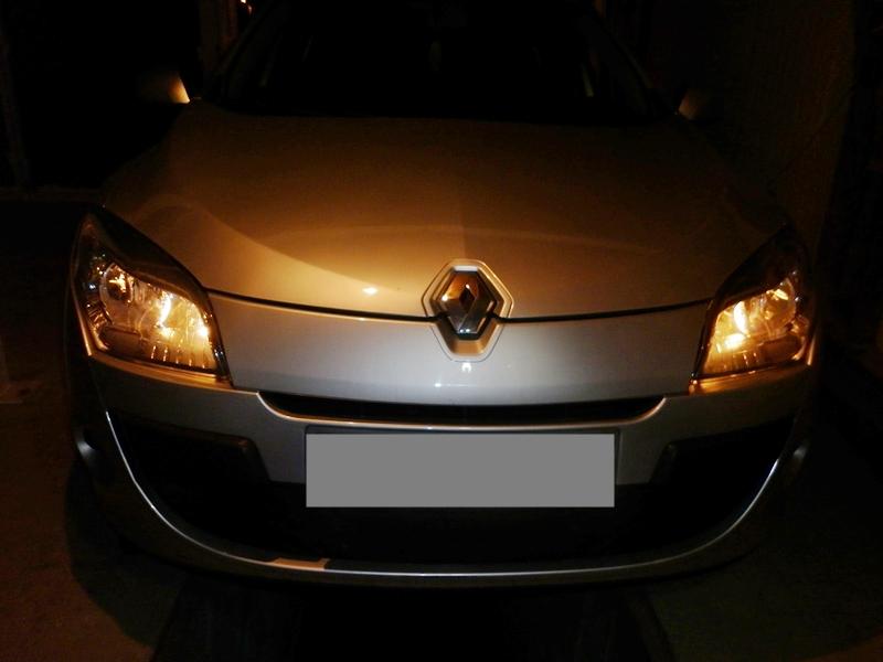 Cum se schimba becul de pozitie pe fata la Renault Megane 3--poza5
