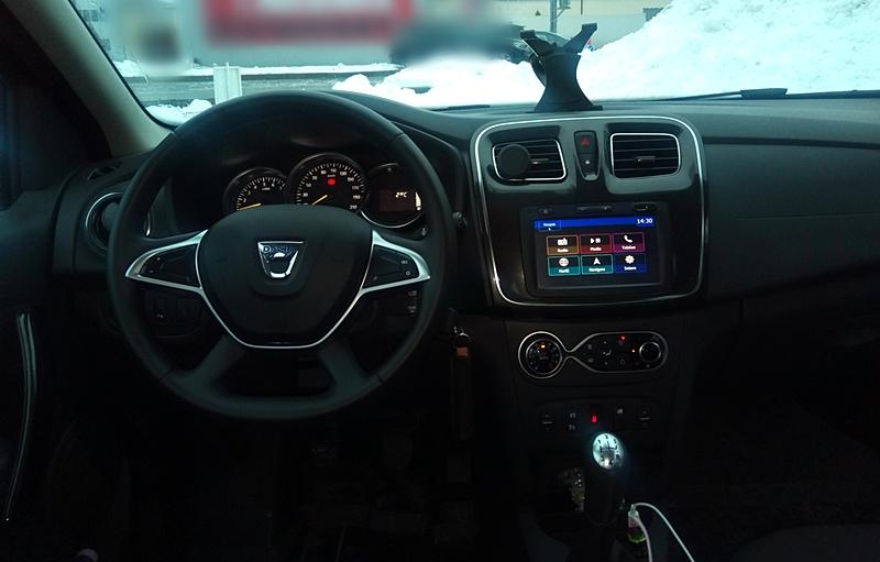 Dacia Logan II 1.0 Sce-4 luni si 10.000 km.jpg bord