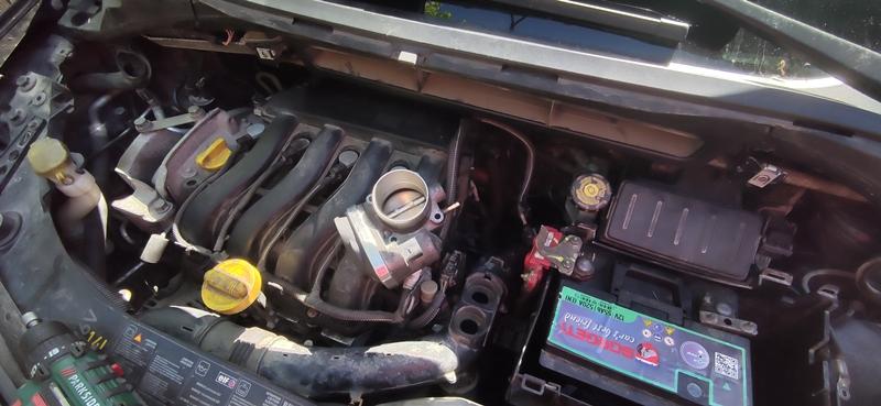 Cum se schimba clapeta de acceleratie la Renault Modus